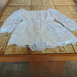 Bebe (S 4 ) long sleeve lace romper elastic waist